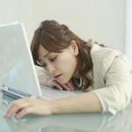 机の上で快適に仮眠を取るのにおすすめの枕あれこれ