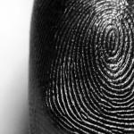事件現場に残された指紋から「性別」がわかるらしい